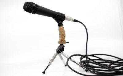 Ritratti #14 Il microfono di Christian Hill